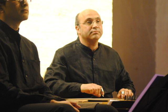 Aziz Samsaoui. Kanum, Úd
